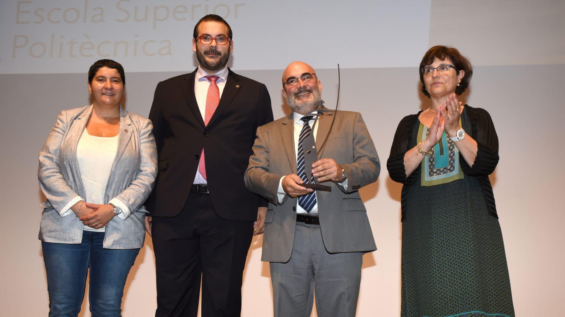 SCHUNK Intec S.L.U. está implicada en el desarrollo social, ofreciendo formación dual y becas de alta calidad